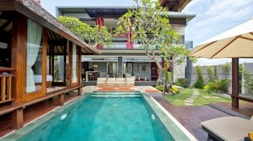 Rice field view 3 bedroom villa in tranquil area of Canggu