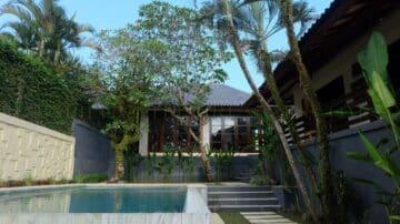 3 bedroom tropical villa in Pererenan