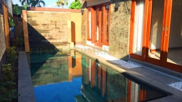 New 3 bedroom villa in Central Seminyak