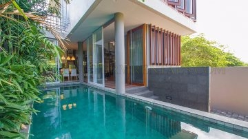Contemporary 3 bedroom villa in Prime area of Seminyak