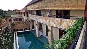 Walking distance to Batu Bolong Beach 3 bedroom villa