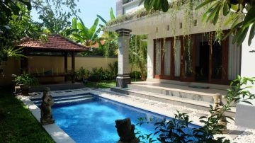 Spacious 4 bedroom villa in Sanur