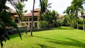 Beautiful large villa on large plot of land in North of Canggu