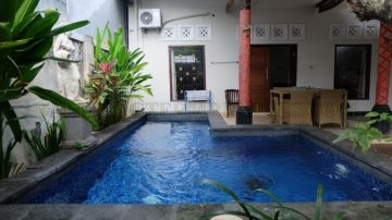 2 bedroom house with pool in Kerobokan