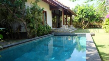 2 bedroom villa in beach side Sanur