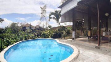 4 bedroom joglo-style villa in Berawa