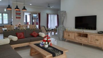 4 bedroom stylish house in Jimbaran