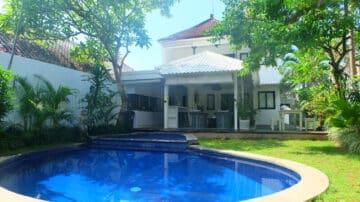 3+1 bedroom villa in  Seminyak