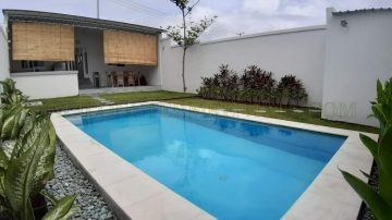 Lovely 2 bedroom house with pool