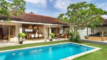 3 Bedroom + Villa Oberoi / Eatstreet !