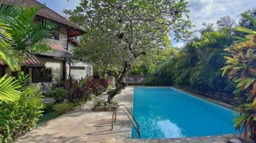 Beach side – Balinese style villa in Sanur