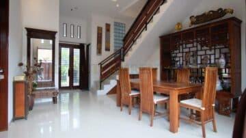 4+1 bedroom house with paddy field view in Kerobokan