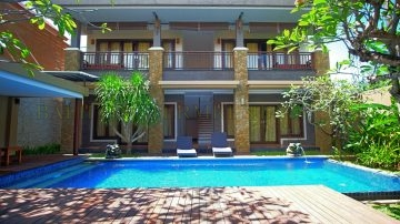 4 bedroom – YEARLY RENTAL – North Seminyak