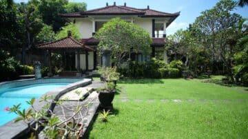 6 bedroom Balinese-style villa in Nusa Dua