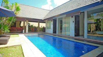 YEARLY RENTAL – 3 bedroom North Seminyak