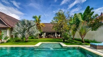 Tropical style Villa on 1000 sqm land area