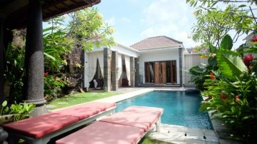 4+1 bedroom villa in Berawa-Canggu