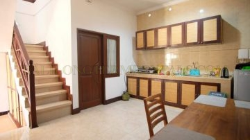 6 bedroom house in Kerobokan