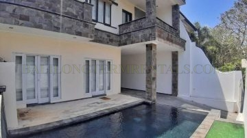 4 BEDROOM VILLA IN NUSA DUA