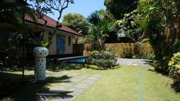 4 Bedrooms Villa in Sanur Beachside with Spacious Garden