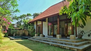 Beach side – Balinese 2 bedroom villa in Sanur