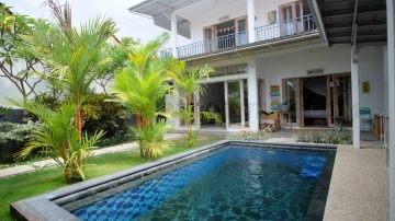 3 bedroom villa close to Echo Beach