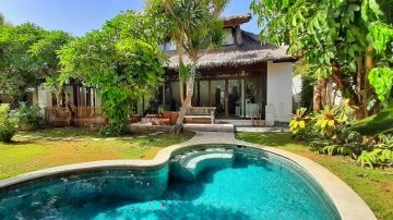 3 bedroom garden villa in Sanur – Close to Dyatmika School