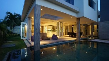 NICE 4 BEDROOM IN ONE OF THE BEST AREAS OF SANUR