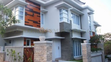 3 BEDROOM MODERN HOUSE IN ULUWATU AREA