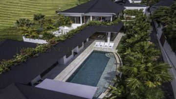 5 bedroom villa Berawa beach side