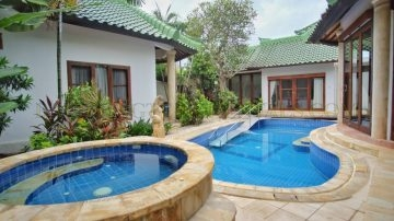 Beautiful 5 bedroom villa in Sanur – Walking distance to the beach