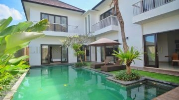 4 bedroom villa in Kerobokan Umalas area with paddy field view