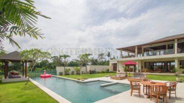 A spacious 3 bedroom luxury villa – TABANAN