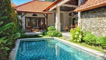 2 bedroom villa walking distance to the beach