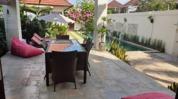 3+1 Bedroom villa walking distance to Berawa Beach
