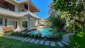 Tropical 3 bedroom villa in Sanur – 100 meters to the beach