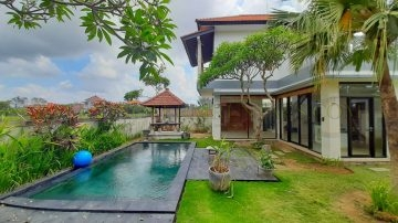 2 bedroom Un-furnished villa in Canggu with rice field view