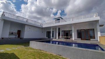 Unfurnished, Brand new 3 Bedroom Villa for Yearly Rental with Rice Field View in Canggu