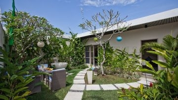 ONE BEDROOM VILLA IN PERERENAN FOR MONTHLY RENTAL