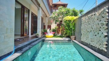3 bedroom beach side villa in Sanur – monthly and yearly rental