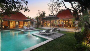Big pool and garden in desirable Berawa location.