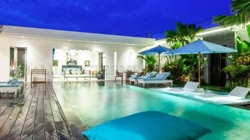 3 bedroom modern villa with tropical feel in the heart off Berawa