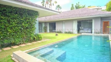 PRIVATE 3 BEDROOM VILLA WITH GARDEN
