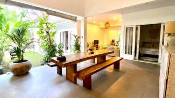 Yearly rental 3 bedrooms villa in Berawa